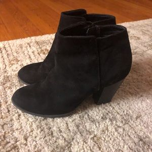 Old Navy faux suede black boots